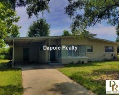 100 Pinecrest Dr, Sanford, FL 32773 3 Bedroom House