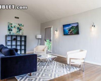 Five+ Bedroom In Metro Los Angeles