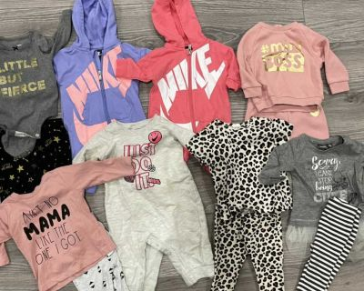 HUGE LOT of baby girl clothes 0-6M