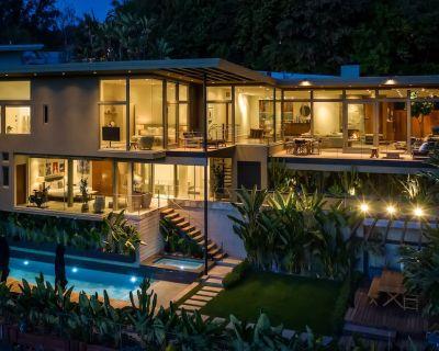 Beverly Hills Oasis | 4 Bed | 4 Bath | 3151 sqft | Pool & Spa - Los Angeles