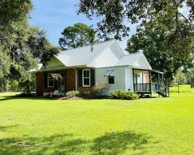 "Cajun Stays ""Melancon House"" Youngsville - Lafayette Parish"