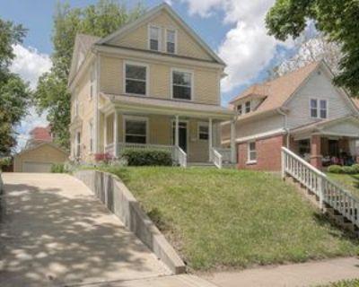 4056 Oak St #1, Kansas City, MO 64111 4 Bedroom Apartment