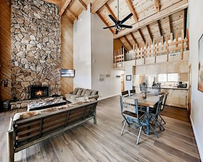 Ski-In, Ski-Out! Slope-View Top-Floor Perch with New Kitchen & Gas Grill - Big Bear Lake