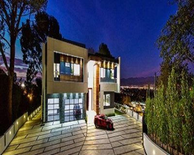 Apartment for Sale in Beverly Hiils, California, Ref# 8175089
