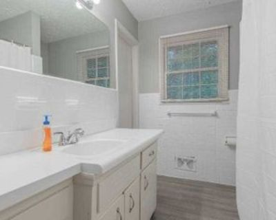 Room for Rent - near I-20 exit 66, Decatur, GA 30032 1 Bedroom House