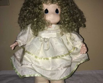 NOT IN ANY SALES Precious Moments 16 Doll (1996) with tags QVC Exclusive Lindsay