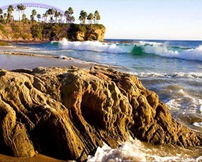 North Laguna Spectacular Ocean View Home-Walk to Beach & Town! - Laguna Beach
