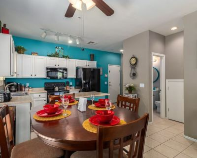 Central Chandler Townhouse with Private Backyard and Community Pool! - Chandler
