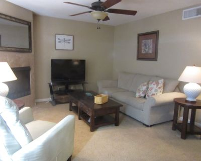 CONDO IN THE CATALINA FOOTHILLS MINUTES FROM ENCANTADA MALL - Catalina Foothills