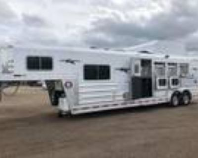 2021 Platinum Coach Outlaw 4 horse 10' SW Outlaw Conversions