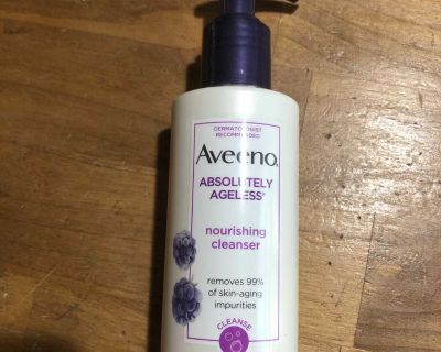 Brand new Aveeno absolutely ageless cleanser face wash