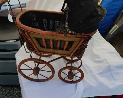 Incredibly creepy doll carriage $40