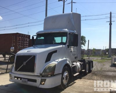2009 Volvo VNL T/A Day Cab Truck Tractor