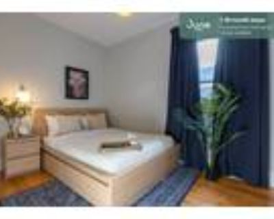 330 Private Queen Room in Savin Hill 4-bed / 2.0-bath apartment