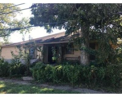 1.0 Bath Foreclosure Property in Mobile, AL 36610 - Meaher Ave