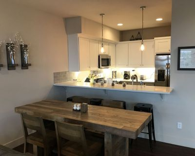 Troutdale, townhouse, 2 bedrooms, AC