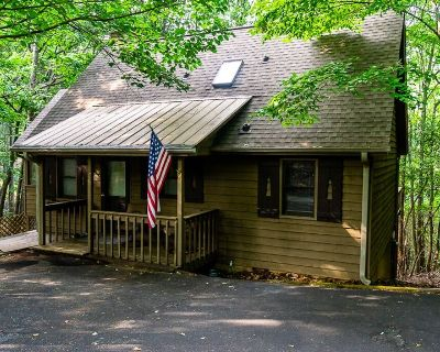 Classic cabin vibes close to the amenities in the Big Canoe community - Big Canoe