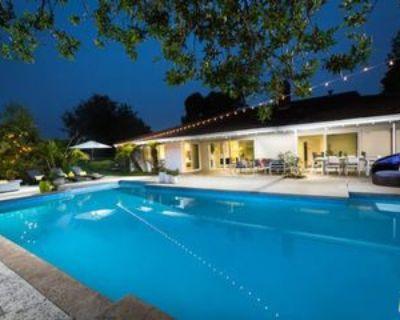 774 N Kenter Ave, Los Angeles, CA 90049 4 Bedroom Apartment