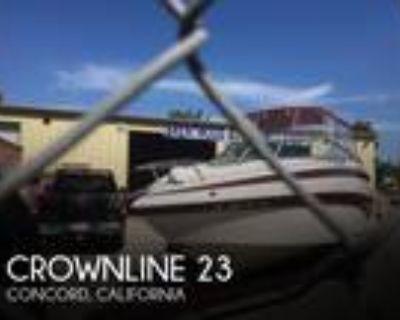 23 foot Crownline 23