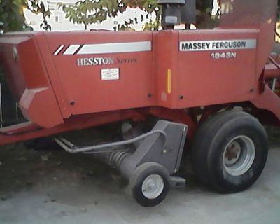 2010 1843 Massey Ferguson inline hay baler