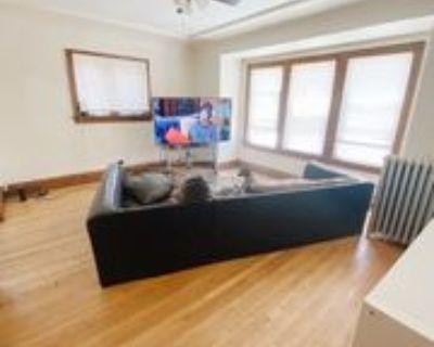 6126 W Burnham St #5, West Allis, WI 53219 1 Bedroom Apartment