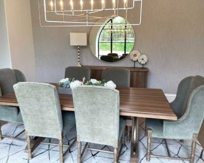 Donate Dining room table and buffet
