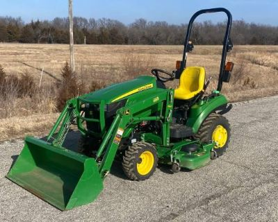 John Deere 1023E 4x4 Tractor with Loader and Mower