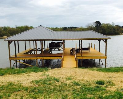 Luxury Lake Front House -Private Fishing Dock Weddings / Catering Welcome !!! - Chickamauga Lake