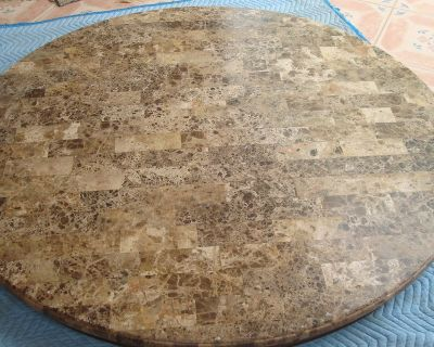 60 inches diameter marble table top in excellent condition