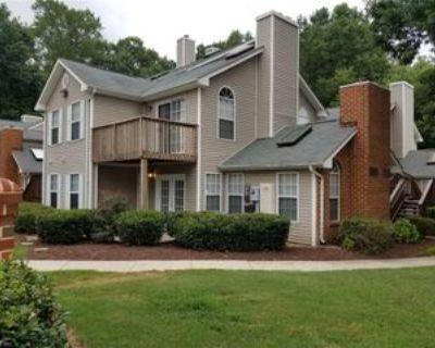 422 Lees Mill Dr, Newport News, VA 23608 2 Bedroom Condo