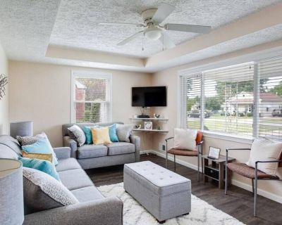 3 BR 2 BA Ranch Style Home in Residential Neighborhood - Prestonia