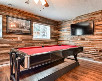 Family Events with Pool Table and Backyard Activities, Colorado Springs, CO