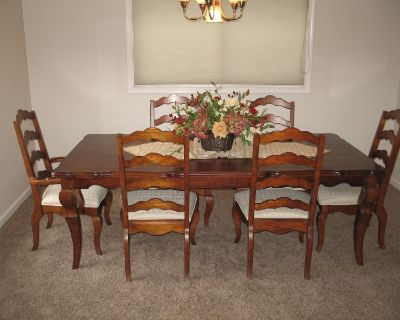 Dining Room Table, 6 Chairs, Serving Hutch