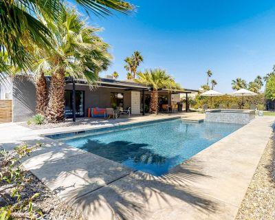 Fantastic Desert Home W/ Private Pool/Spa, Gas Grill, Covered Patio, & Fast WiFi - Vista Norte