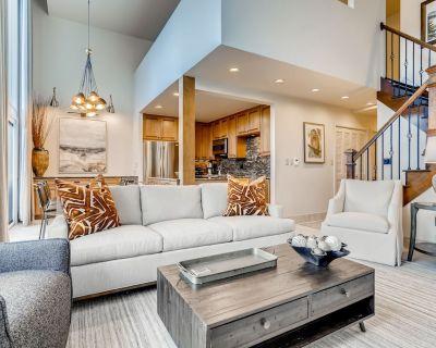 Four bedroom, Four Bath (plus Loft) Condo, Hot tubs, Close to lifts, Large Deck - Vail