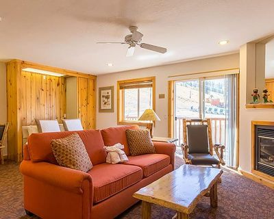 Ski-In/Ski-Out Squaw Valley Red Wolf Lodge Studio Suite + Amenities - Olympic Valley