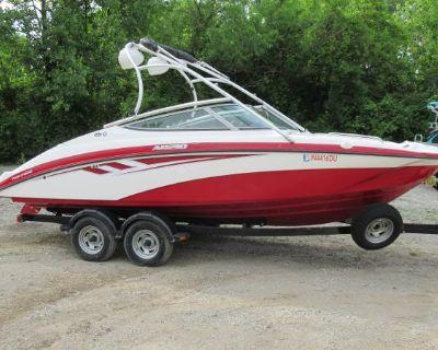 2014 Yamaha Boats AR210