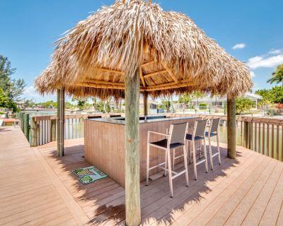 TIKI RETREAT!, Heated pool & spa, Large lanai, Paddle Boat, Tandem bicycle! - Caloosahatchee