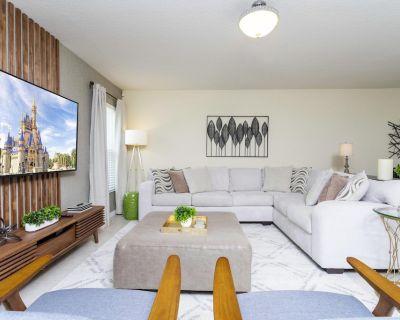 Veranda Home, 4br, 2 suites, Lake View, POOL, FREE Resort Amenities! VP2611 - Veranda Palms