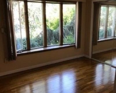 (ID#:1387921) Lovely 2 Bedroom Apartment w/ Full Finished Basement