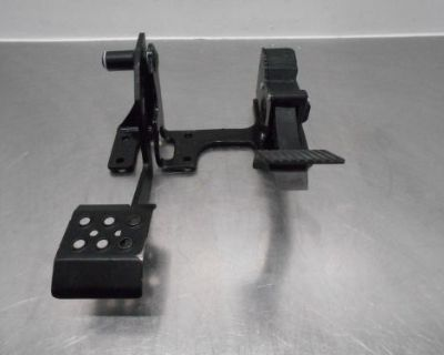 #7655 - 2015 15 Polaris Rzr Xp 1000 Gas / Brake Pedal Set 622 Miles