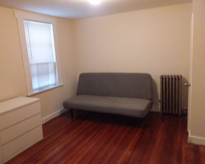Medium sized furnished room in private home