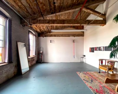 Left Eyed Studios: A Photo Studio in Kensington with Great Natural Light, Philadelphia, PA