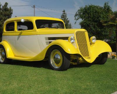 1934 Ford Sedan 2-door Chopped