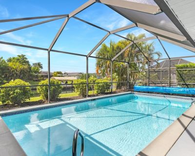 Cape Coral Gulf Access Villa with Private Pool! 3 Bedrooms-Sleeps 8! - Caloosahatchee