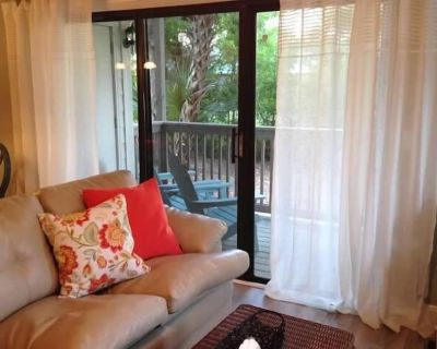 Beautiful, Full Remodel! 2 Bd/2 Bath, 1st Floor, Secluded, Closest To Beach - South Forest Beach