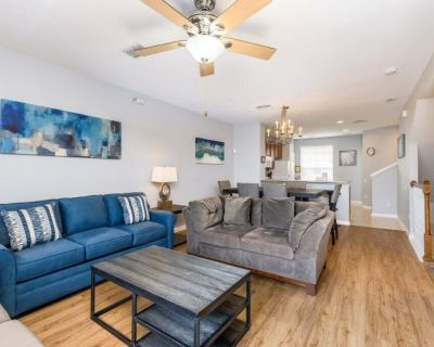 NEW! 3 Bed 3.5 Bath Vacation Townhome - Orlando