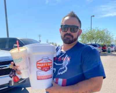 Matt, 37 years, Male - Looking in: Yuma Yuma County AZ