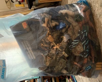 GI Joe vintage LOT locker and Tons of Accessories and