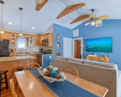 """""""CUDDY CABIN"""" ~ Cozy Condo in Old Town Location with Private Outdoor Dining! - Key West Historic District"""